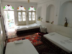 Se-dari-Dorm-in-Howzak-Hostel-Isfahan