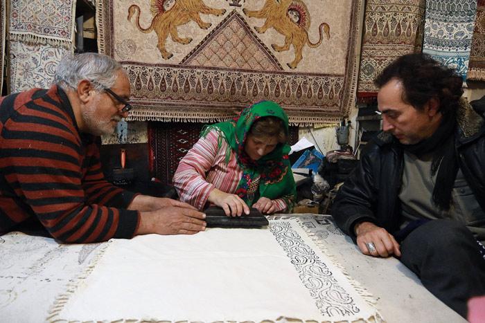 Isfahan-Handicrat-Walk