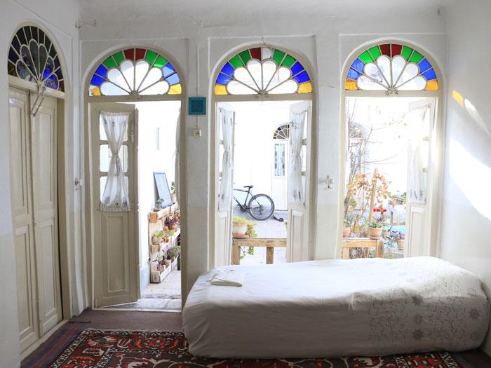 Taghcheh-Khaneh-Room-Howzak-hostel-in-Isfahan